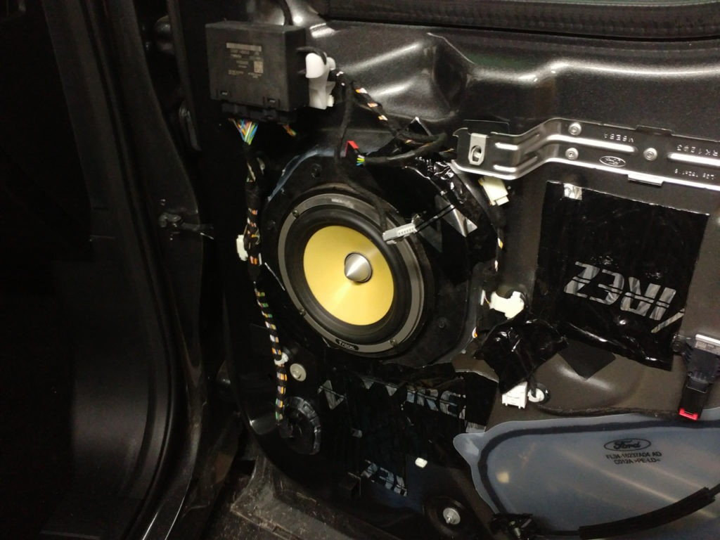 Ford f150 altered sound car audio amplifier speakers