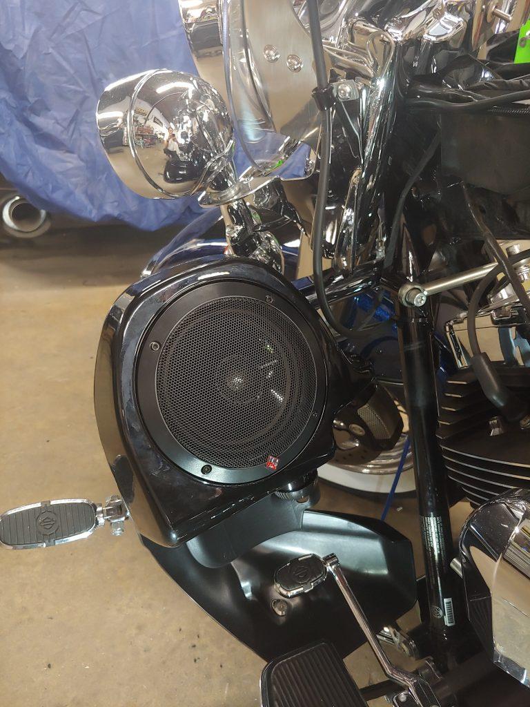 Road King lower fairing speakers