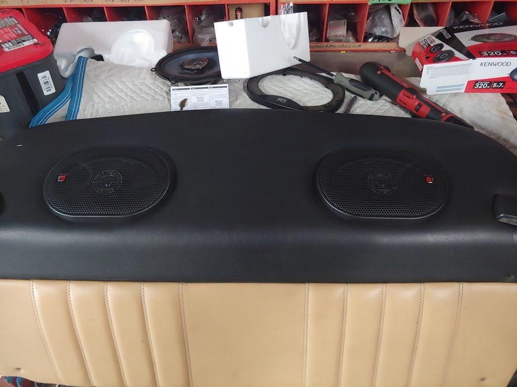 Porsche 911 speakers