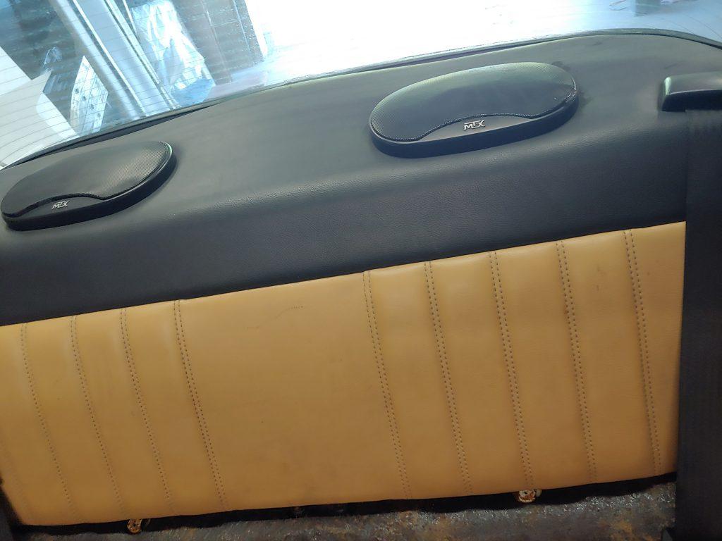 Porsche 911 sound system
