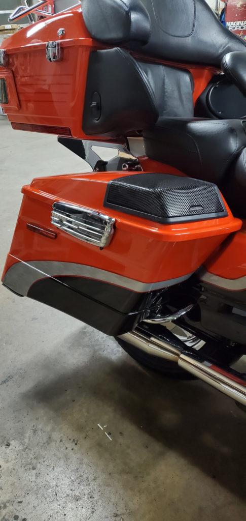 Harley Davidson saddlebag speakers